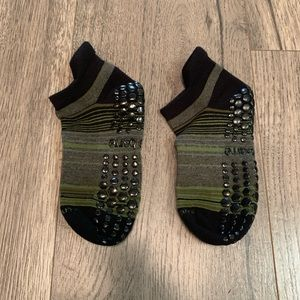 New without tags Pure Barre sticky socks small